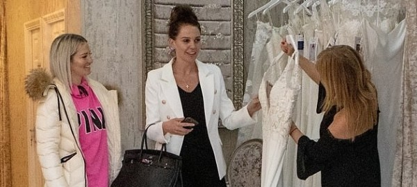 Danielle Lloyd's Wedding Dress Visit